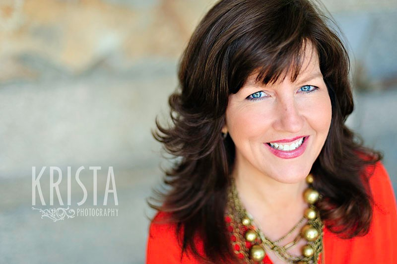 Natural, relaxed Headshots - photographed by Krista Guenin | Krista Photography