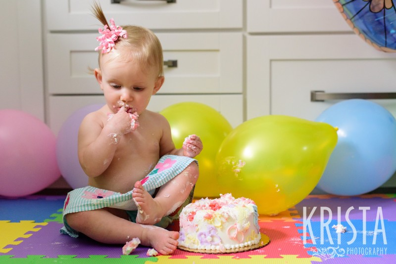Baby Girl, Year in the Life, Happy Baby, Cake Smash© Krista Photography, Boston Photographer