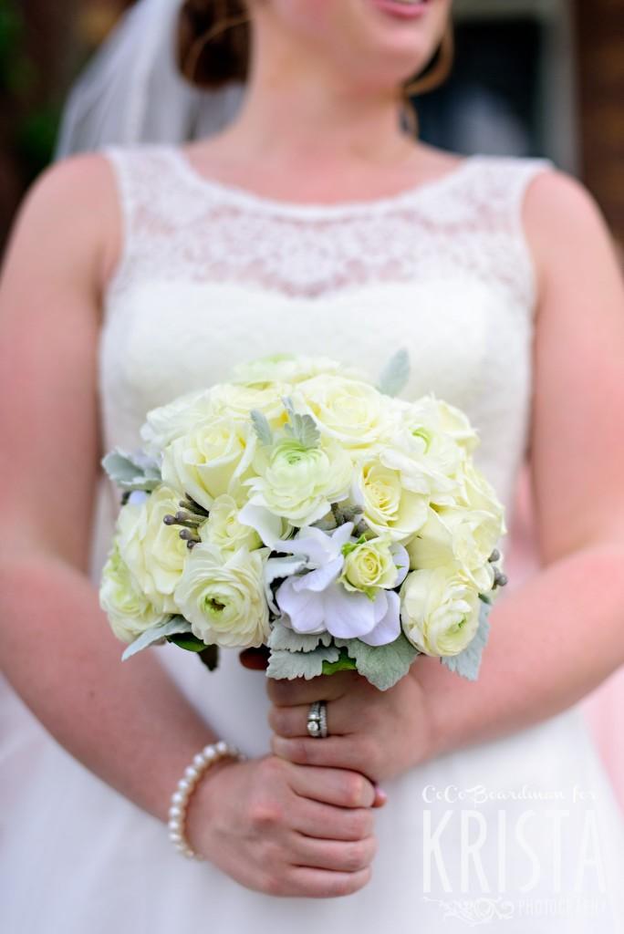 Bride's beautiful flower bouquet. © 2016 Krista Photography - www.kristaphoto.com