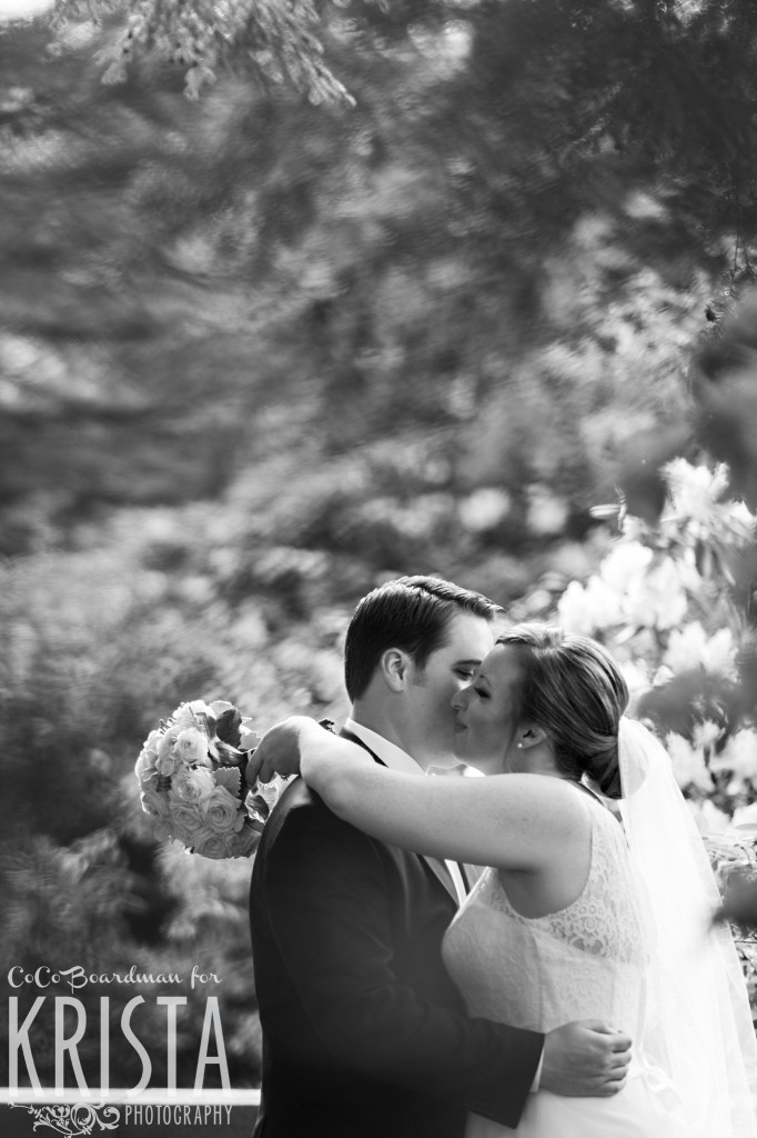 Moments for kissing from the bride and groom. © 2016 Krista Photography - www.kristaphoto.com