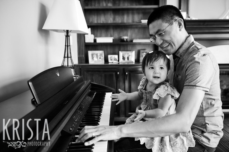 Playing piano with Daddy! 18-Month Portrait Session for family of 3 in Indianapolis, IN - © Krista Guenin | Krista Photography - www.kristaphoto.com